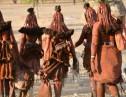 「世界で一番美しい民族」であるヒンバ族は一生に一度も体を洗わない!?