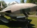 砂漠の真ん中に軍用機が4400機!エアフォースワンやF-16などお宝いっぱい